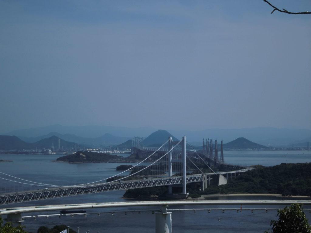 本州と四国を結ぶ瀬戸大橋、高速料金や人気ツアーも紹介